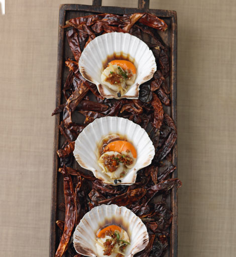 Dragon Scallops with Burning Oil Sauce
